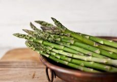 Asparagus photo stephanie-studer-ReXxkS1m1H0-unsplash